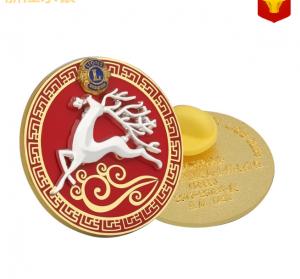 custom club pin badge